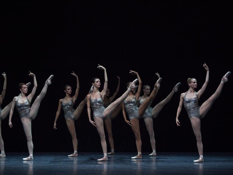 1ere representation du ballet Clear Loud Bright Forward choregraphie par Benjamin Millepied exact780x585 l
