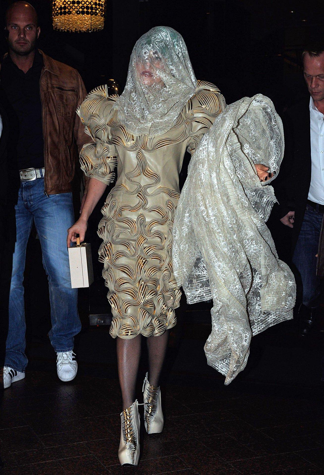 GAGA  GOLD DRESS