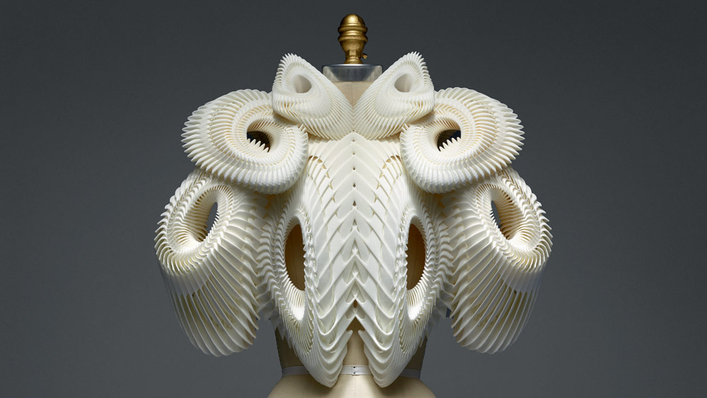 ensemble iris van herpen manus x machina fashion exhibition met nyc dezeen social