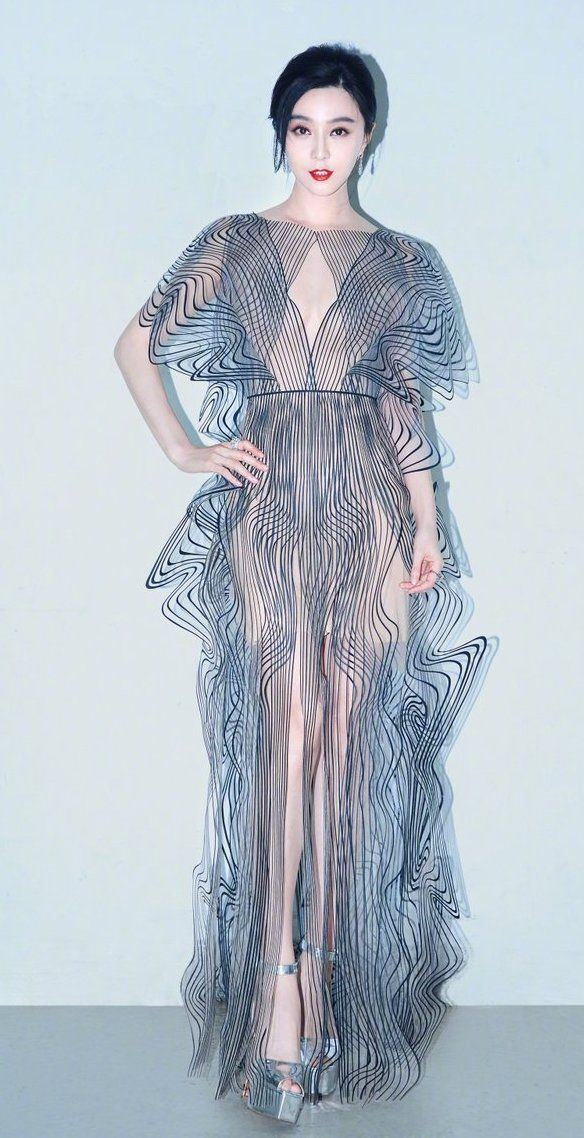 Fan-Bingbing-in-Iris-van-Herpen