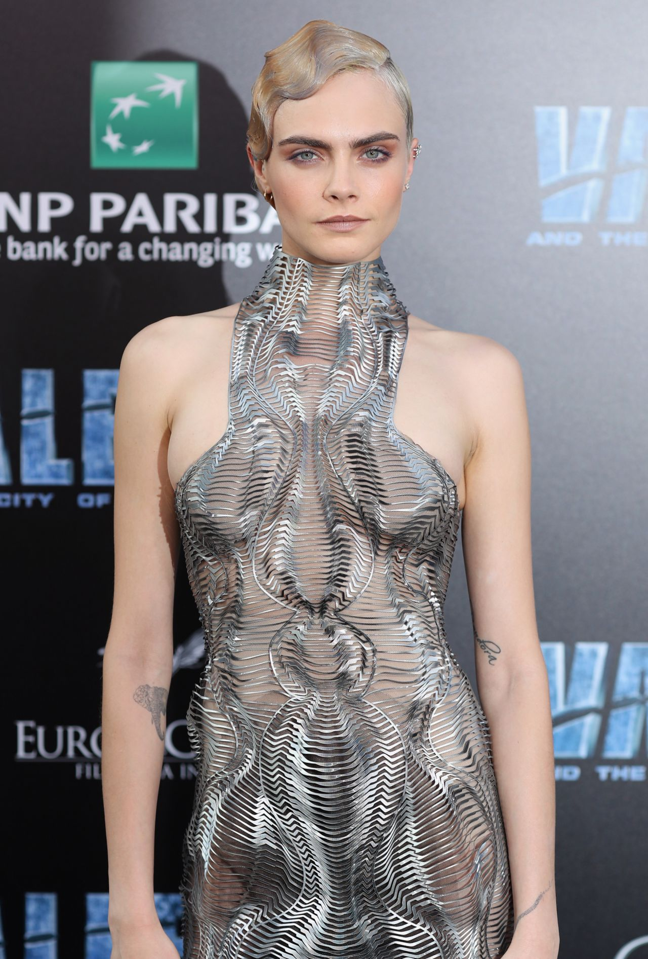 cara-delevingne-valerian-and-the-city-of-a-thousand-planets-premiere-in-hollywood-07-17-2017-10