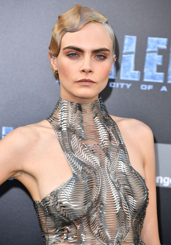 cara-delevingne-valerian-and-the-city-of-a-thousand-planets-premiere-in-hollywood-07-17-2017-1_thumbnail