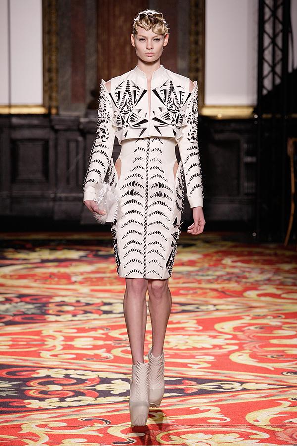 Voltage Couture Iris Van Herpen